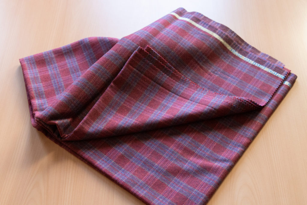 Merino wool for plaid tracksuit